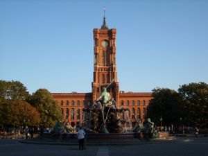 travelxsite berlin fuehrung highlights rotes rathaus