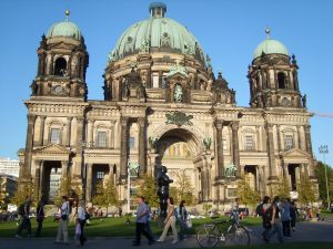 travelxsite berlin bus tour cathedral.jpg