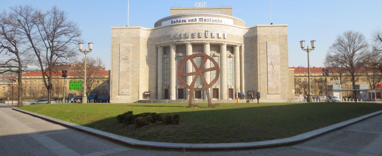 travelxsite-berlin-stadtfuehrungen-stadtfuehrung-scheunenviertel-volksbuehne-slider